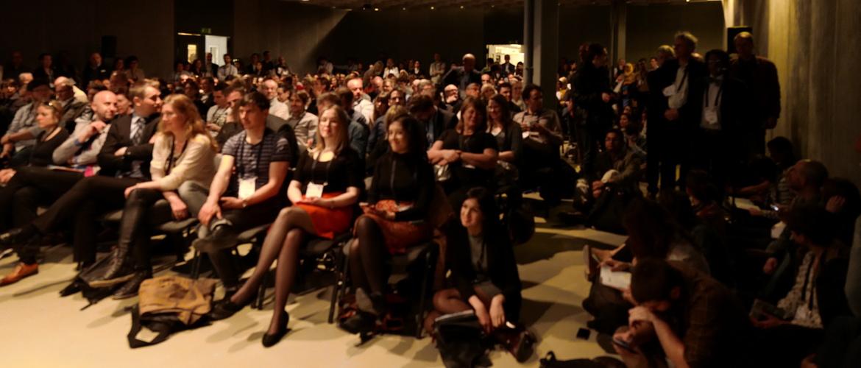 audiences awaits for presentation